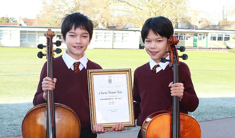 Top UK Marks for Felsted Twin Cellists
